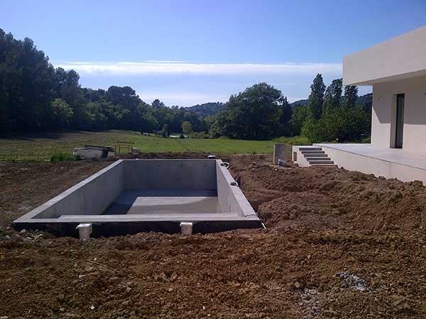peinture piscine renovation support beton longue duree