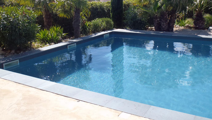 Peinture piscine protection et d coration support b ton et for Piscine carrelage gris