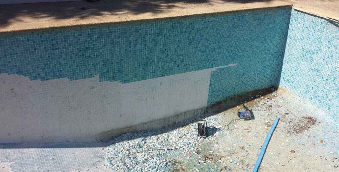 applying tanking waterproof arcacem pool