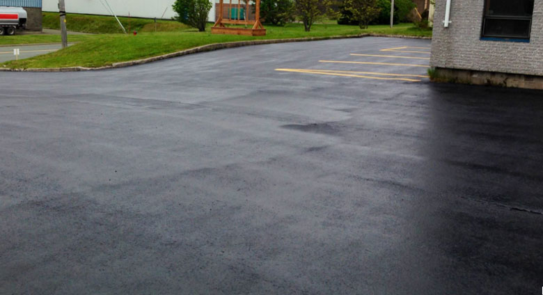 peinture renovation bitume parking privatif arcasphalt