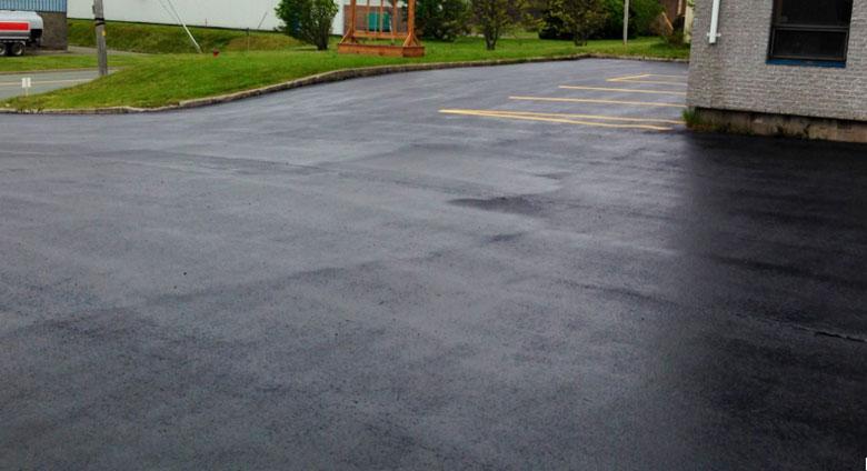Peinture bitume goudron asphalte macadam r sine sol for Peinture parking exterieur