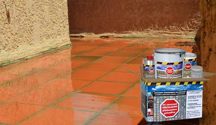 R sine transparente tanch it pour terrasse carrel e for Epoxy sur carrelage